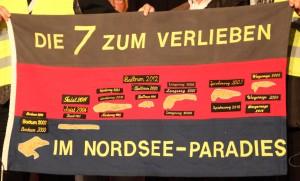 """Insulaner unner sück 2016 - Fahne """"Die 7 zum verlieben"""""""